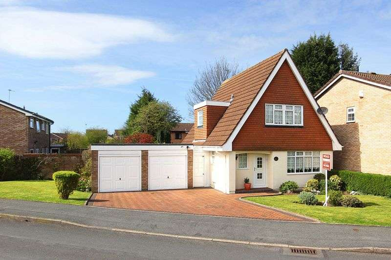 3 Bedrooms Detached House for sale in PENDEFORD, Clewley Drive