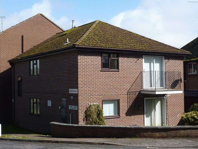 3 Bedrooms Flat for sale in Hayes Court, Lyme Regis