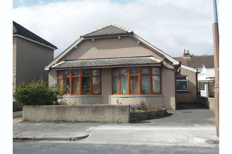 3 Bedrooms Detached Bungalow for sale in Brantwood Avenue, Bare, Morecambe