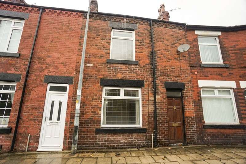 2 Bedrooms Terraced House for sale in Brownlow Road,Horwich