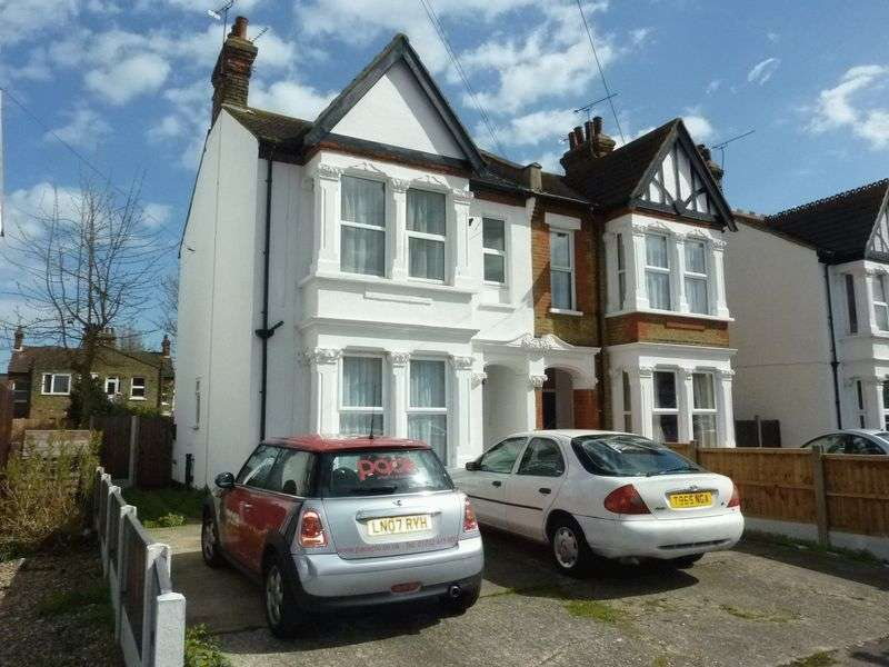 1 Bedroom Flat for sale in Argyll Road, Westcliff-On-Sea