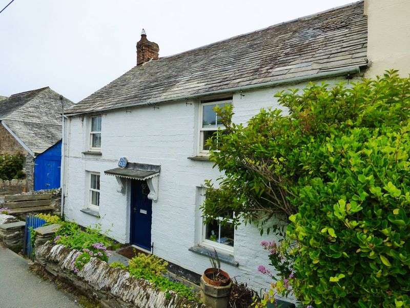 3 Bedrooms Semi Detached House for sale in St. Merryn, Padstow