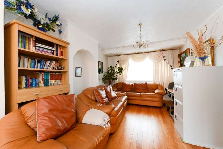 3 Bedrooms House for sale in Kynaston Rd, Thornton Heath CR7