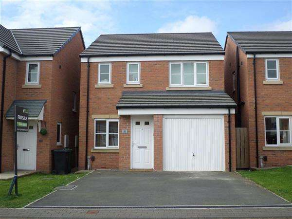 3 Bedrooms Detached House for sale in Pennwell Garth, Leeds