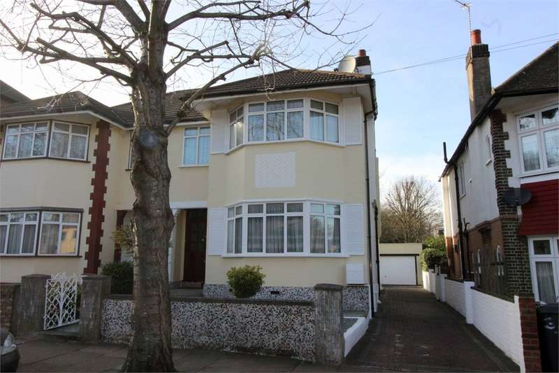 4 Bedrooms Semi Detached House for sale in Gordon Road, Bounds Green, London