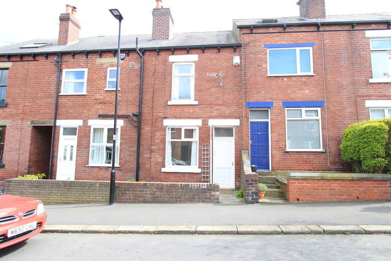 3 Bedrooms Terraced House for rent in Murray Road, Sheffield, S11