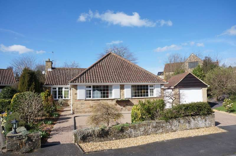 2 Bedrooms Detached Bungalow for sale in Highcroft, Collingham, LS22