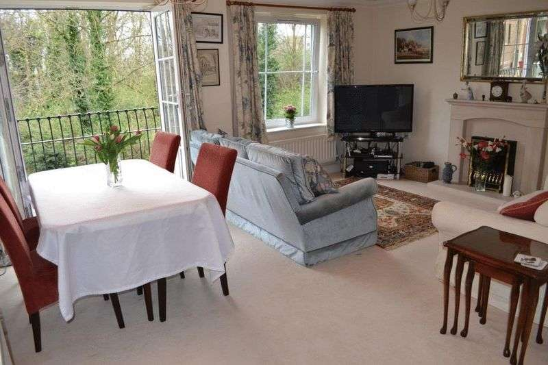 2 Bedrooms Flat for sale in CENTRAL TONBRIDGE