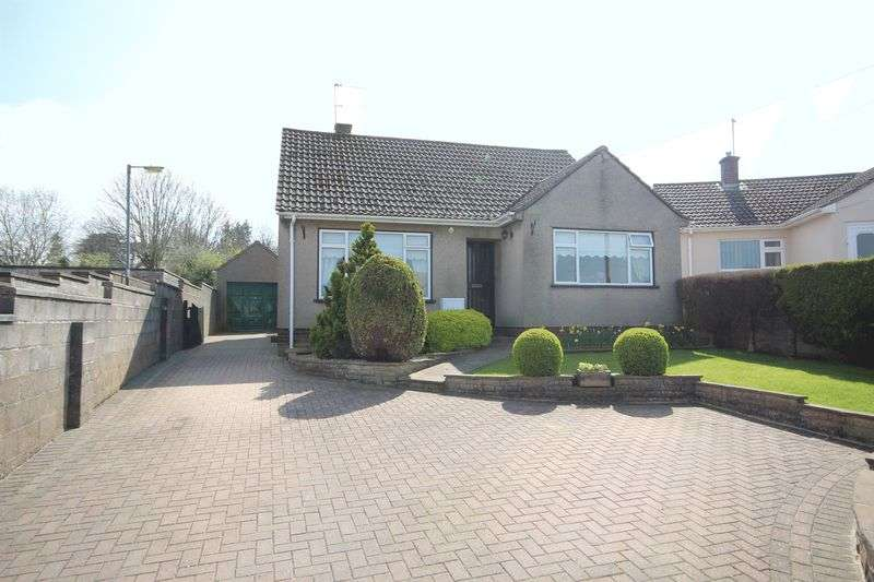 3 Bedrooms Detached Bungalow for sale in Hayes Park Road, Midsomer Norton