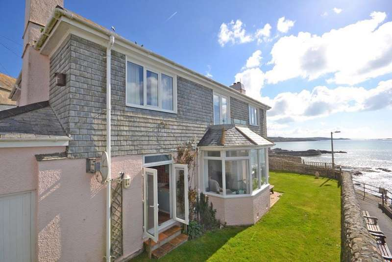 5 Bedrooms Detached House for sale in Marazion, Mounts Bay, Nr. Penzance, Cornwall, TR17