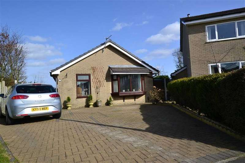 3 Bedrooms Detached Bungalow for sale in Kirkfell Drive, Burnley, Lancashire