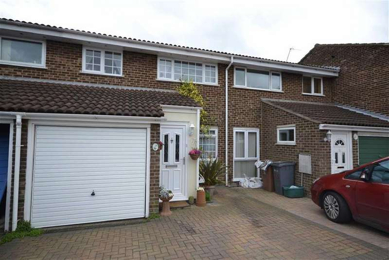 3 Bedrooms Terraced House for sale in Cornflower Drive, Chelmsford