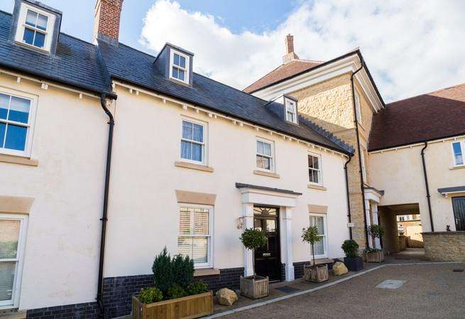 4 Bedrooms Terraced House for sale in Portman Place, Sherborne