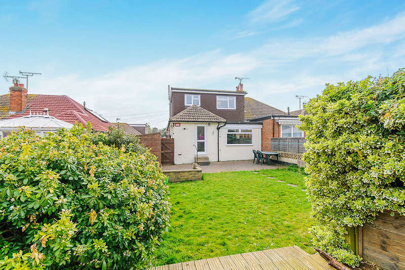 3 Bedrooms Semi Detached Bungalow for sale in Catherine Way, Broadstairs, CT10