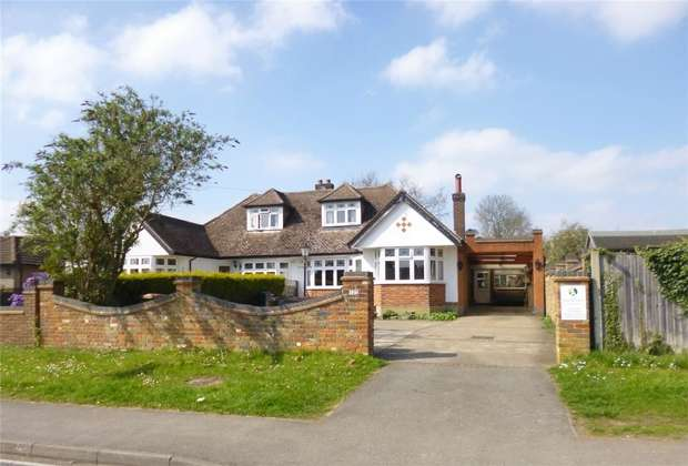 4 Bedrooms Semi Detached House for sale in Toms Lane, KINGS LANGLEY, Hertfordshire
