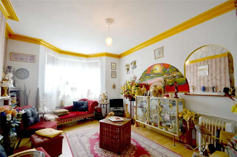 3 Bedrooms End Of Terrace House for sale in Buxton Road, Thornton Heath