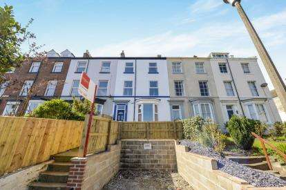 5 Bedrooms Terraced House for sale in Park Terrace, Whitby, North Yorkshire