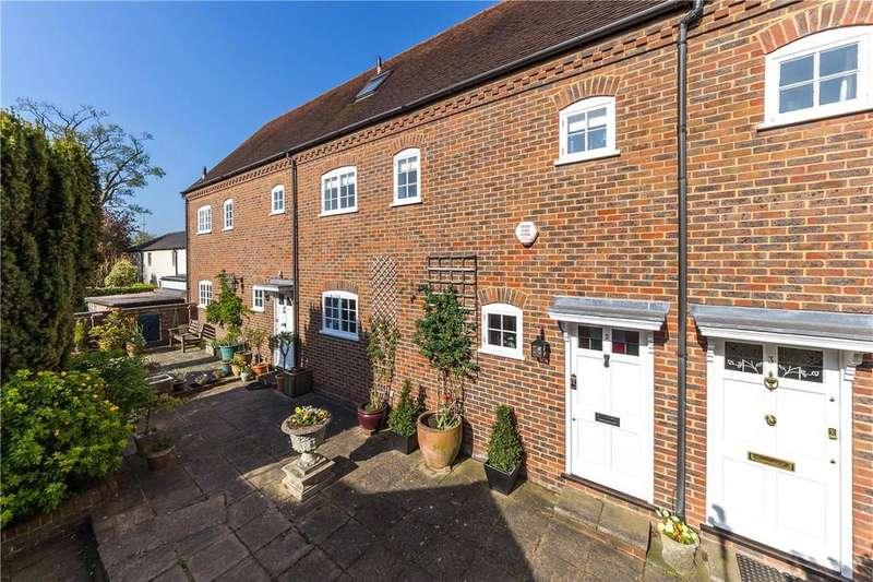 3 Bedrooms Terraced House for sale in Abbey Mews, Holywell Hill, St. Albans, Hertfordshire