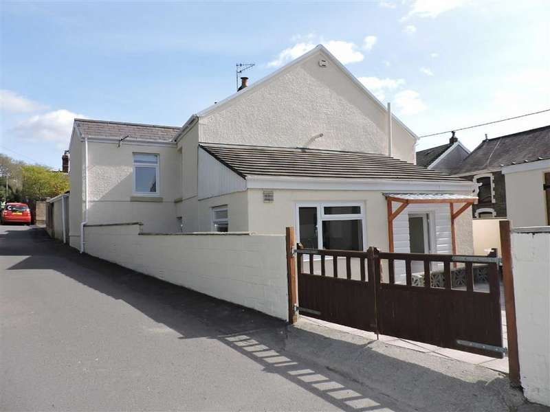 3 Bedrooms Property for sale in New Road, Ynysmeudwy