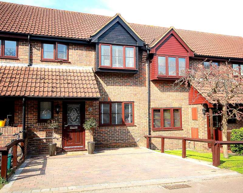 3 Bedrooms House for sale in REFURBISHED 3 BED FAMILY HOME IN Tooveys Mill Close, Kings Langley