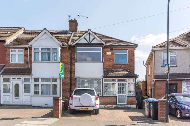 3 Bedrooms House for sale in The Circle, Neasden, NW2