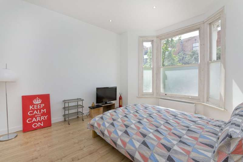 4 Bedrooms Terraced House for sale in Albion Road, Newington Green, London, N16 9PJ
