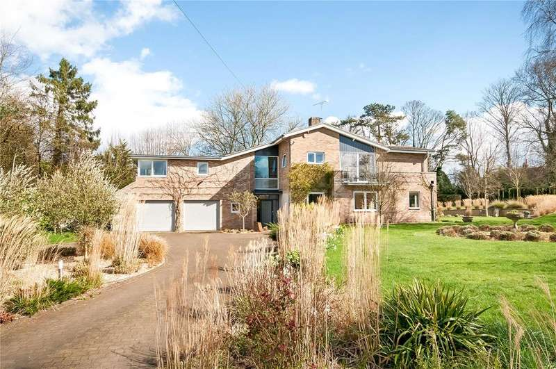 4 Bedrooms Detached House for sale in River View Close, Chilbolton, Stockbridge, Hampshire, SO20