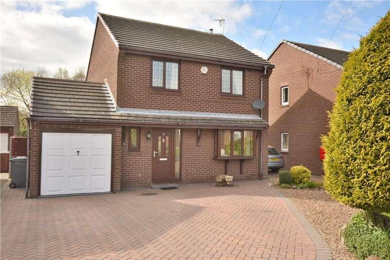3 Bedrooms Detached House for sale in Osprey Close, Leeds