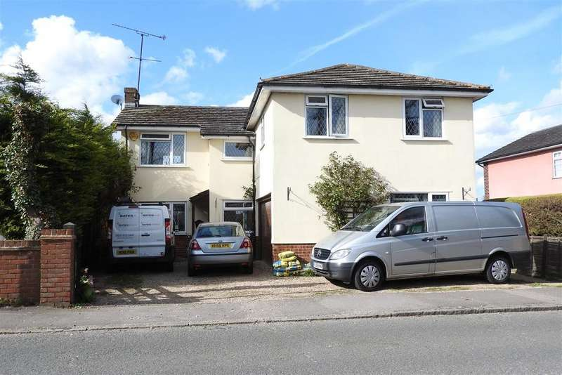 4 Bedrooms Detached House for sale in Ongar Road, Chelmsford