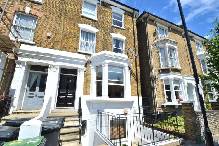 2 Bedrooms Flat for sale in Cranfield Road Brockley SE4