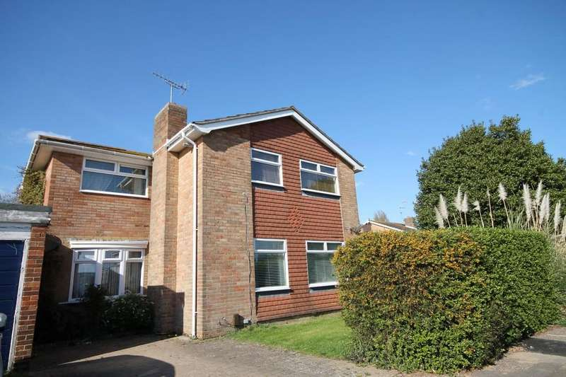 4 Bedrooms Detached House for sale in Poling Close, Goring, Worthing BN12 6BA