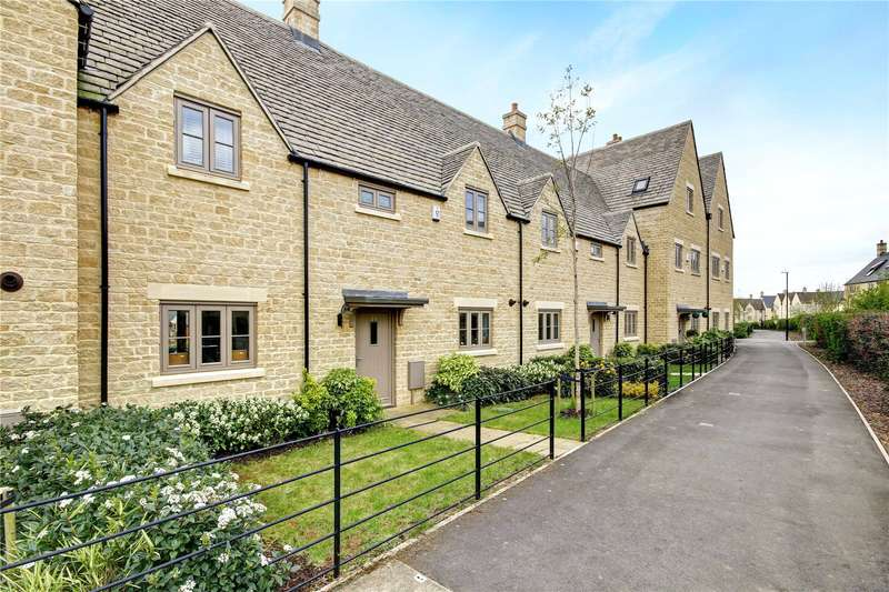 4 Bedrooms Terraced House for sale in Matthews Walk, Cirencester, GL7
