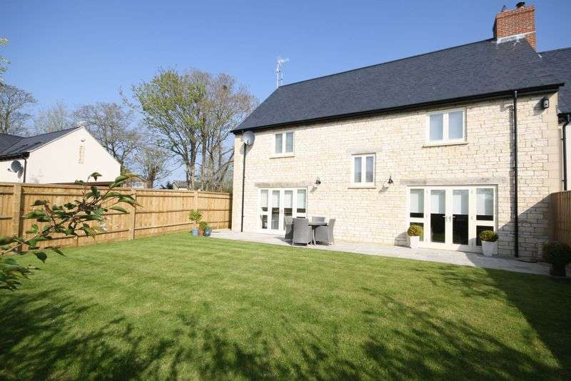4 Bedrooms Semi Detached House for sale in ASTON, Box House, Wheelwright Court OX18 2DE