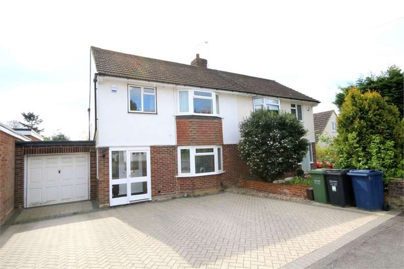 3 Bedrooms Semi Detached House for sale in Northdown Road, Chalfont St Peter, Buckinghamshire