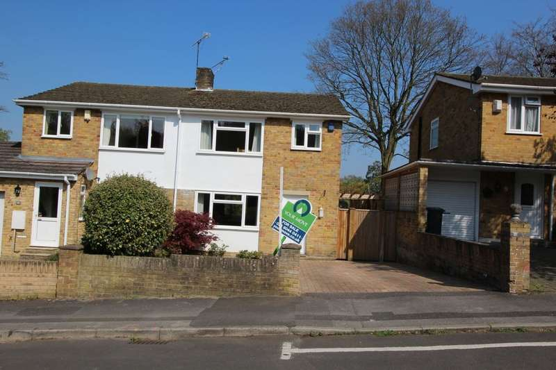 3 Bedrooms Semi Detached House for sale in September Close, West End, Southampton, SO30