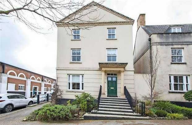 4 Bedrooms Detached House for sale in Peverell Avenue East, Poundbury, Dorchester, Dorset