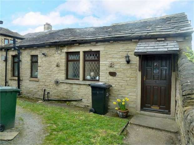 3 Bedrooms Detached Bungalow for sale in Breaks Fold, Wyke, Bradford, West Yorkshire