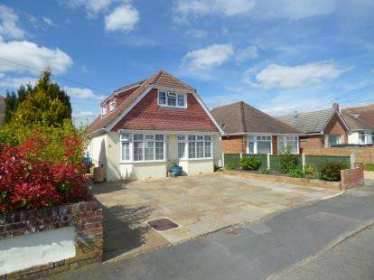 5 Bedrooms Bungalow for sale in Oakdale, Poole, Dorset