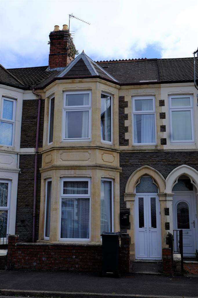 3 Bedrooms Terraced House for sale in Tewkesbury Place, Cathays, Cardiff CF24