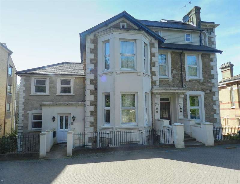 1 Bedroom Flat for sale in East Hill Road, Ryde