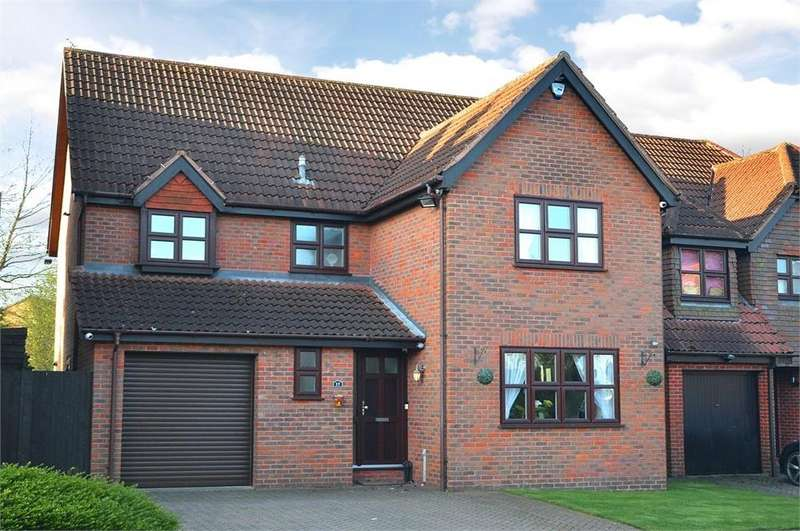 4 Bedrooms Detached House for sale in The Mead, New Ash Green