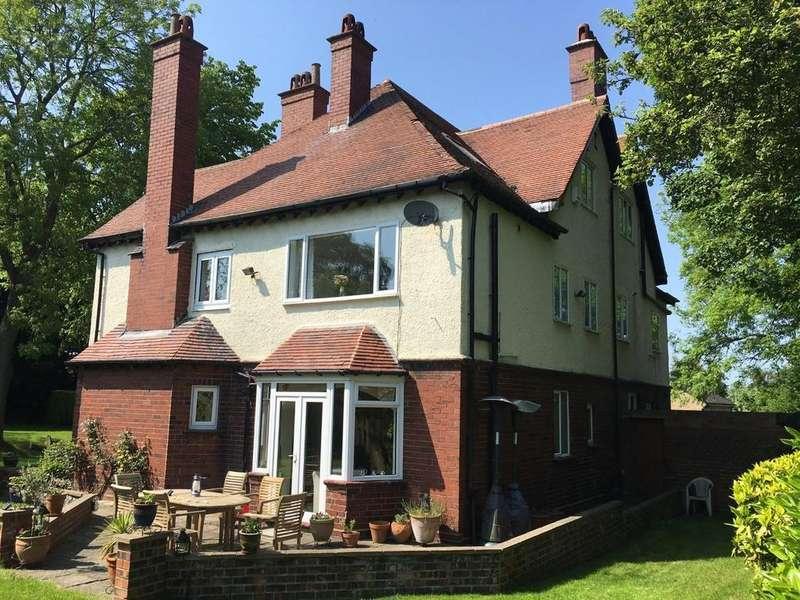 6 Bedrooms Detached House for sale in St Aidans House, Lidgett Lane, Skelmanthorpe, Huddersfield, HD8 9AQ