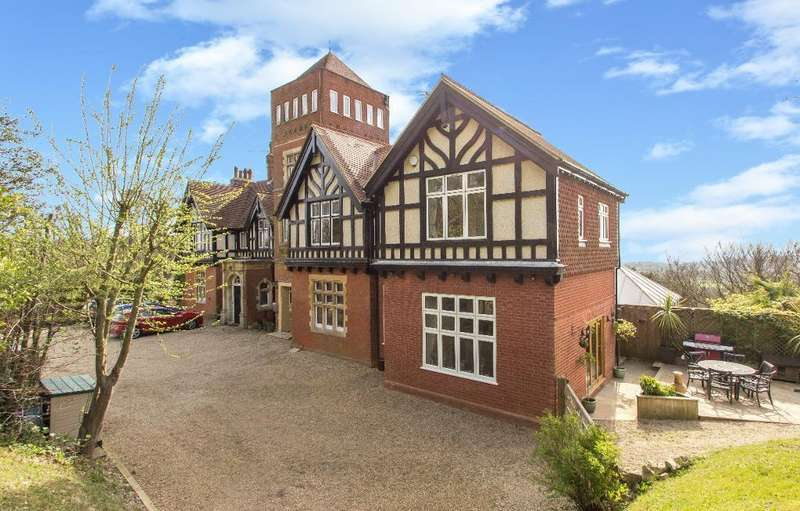 3 Bedrooms Semi Detached House for sale in War Coppice House, War Coppice Road, Caterham, Surrey, CR3 6EQ