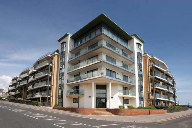 2 Bedrooms Flat for sale in The Point, Marina Close, Bournemouth, Dorset, BH5