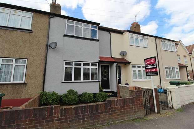 3 Bedrooms Terraced House for sale in Warwick Road, Ashford, Surrey