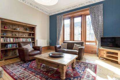 2 Bedrooms Flat for sale in Cathcart Road, Mount Florida, Glasgow