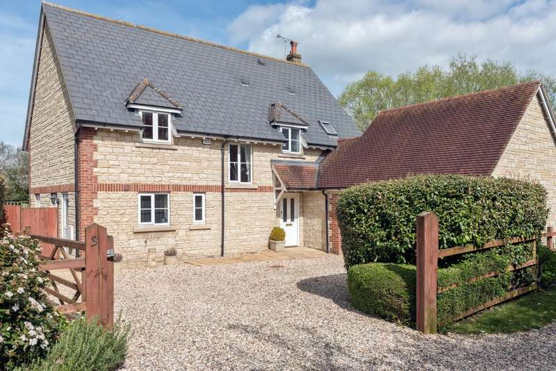 4 Bedrooms Detached House for sale in Minety, Malmesbury