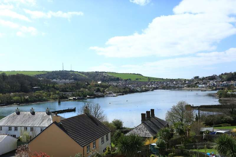 3 Bedrooms Town House for sale in Oreston, Plymouth
