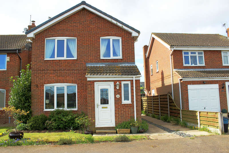 3 Bedrooms Detached House for sale in Evergreen Way, Brayton, Selby