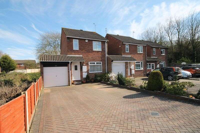 3 Bedrooms House for sale in Holyrood Close, Bristol